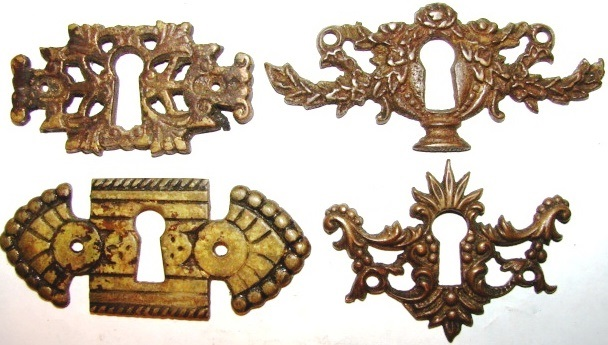 ANTIQUE RESTORATION HARDWARE AT ROBINSONS ANTIQUES ESCUTCHEONS